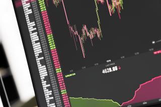 Bitcoin-btc-stock-exchange-live-price-chart-picjumbo-com (1)