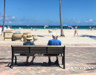 Adult-beach-bench-1034597
